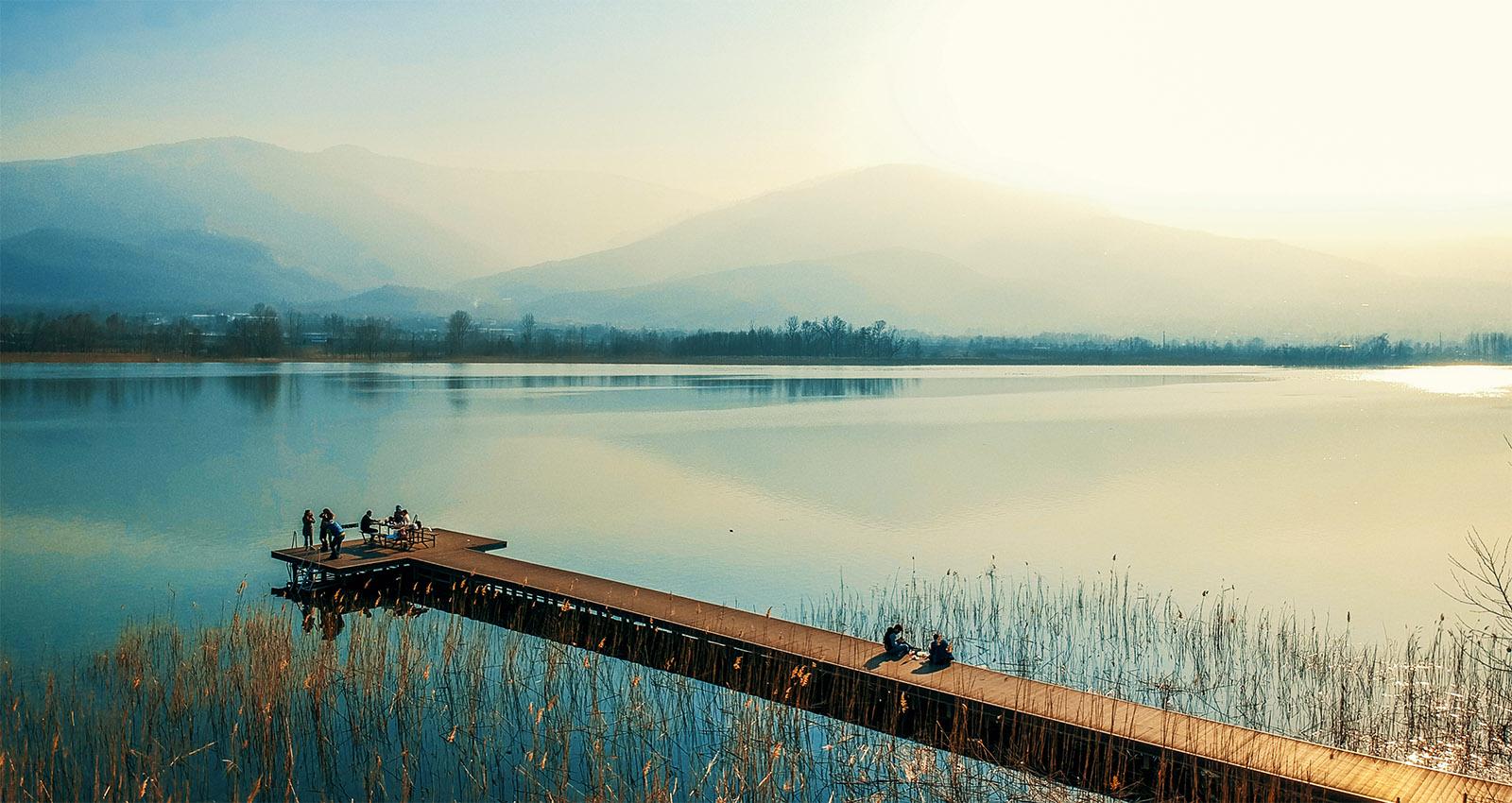 Sapanca, Sakaryanın doğal güzelliklerini bir arada barındıran cenneti gibidir ve otelimize sadece 10 dakikalık bir mesafededir.